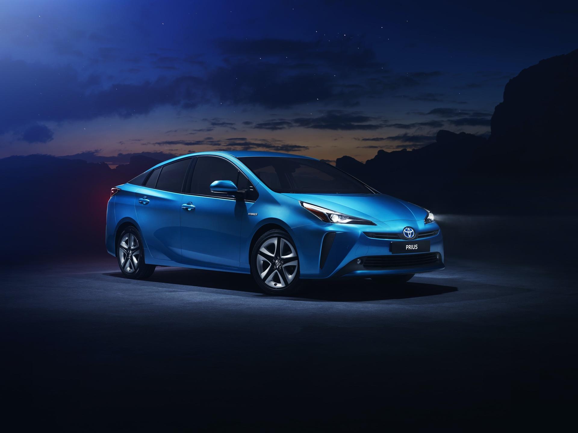 2019_Toyota_Prius_facelift_0000