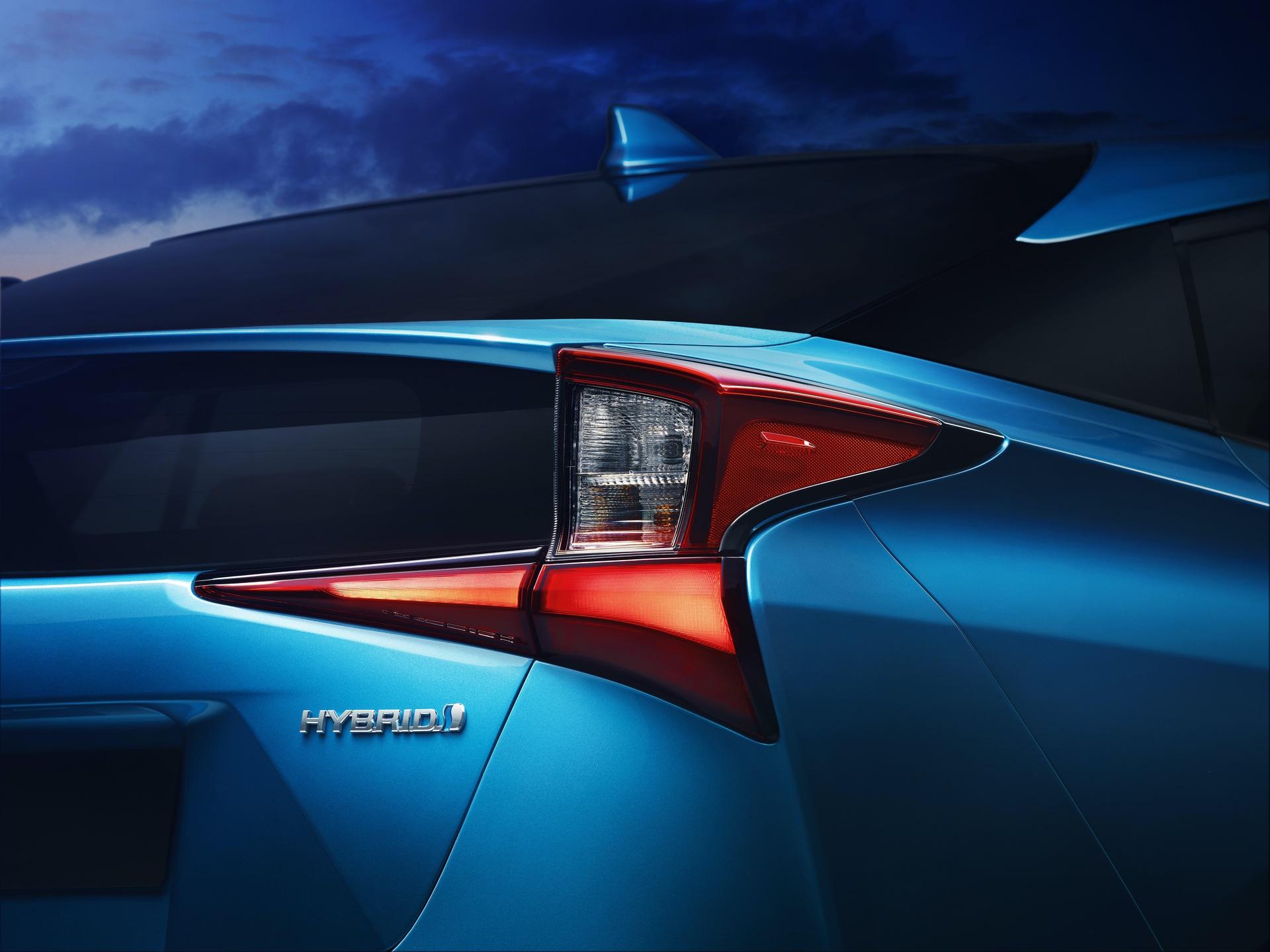 2019_Toyota_Prius_facelift_0002