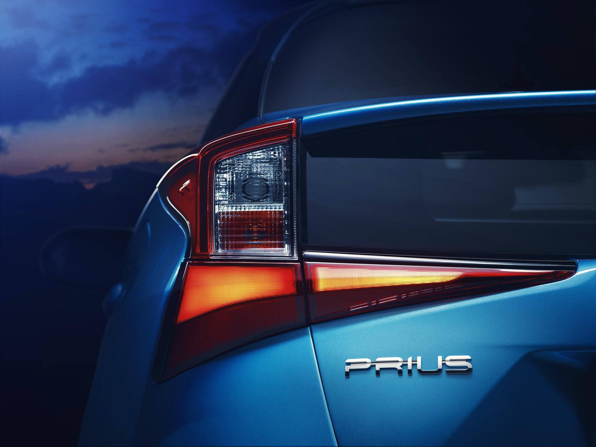 2019_Toyota_Prius_facelift_0003