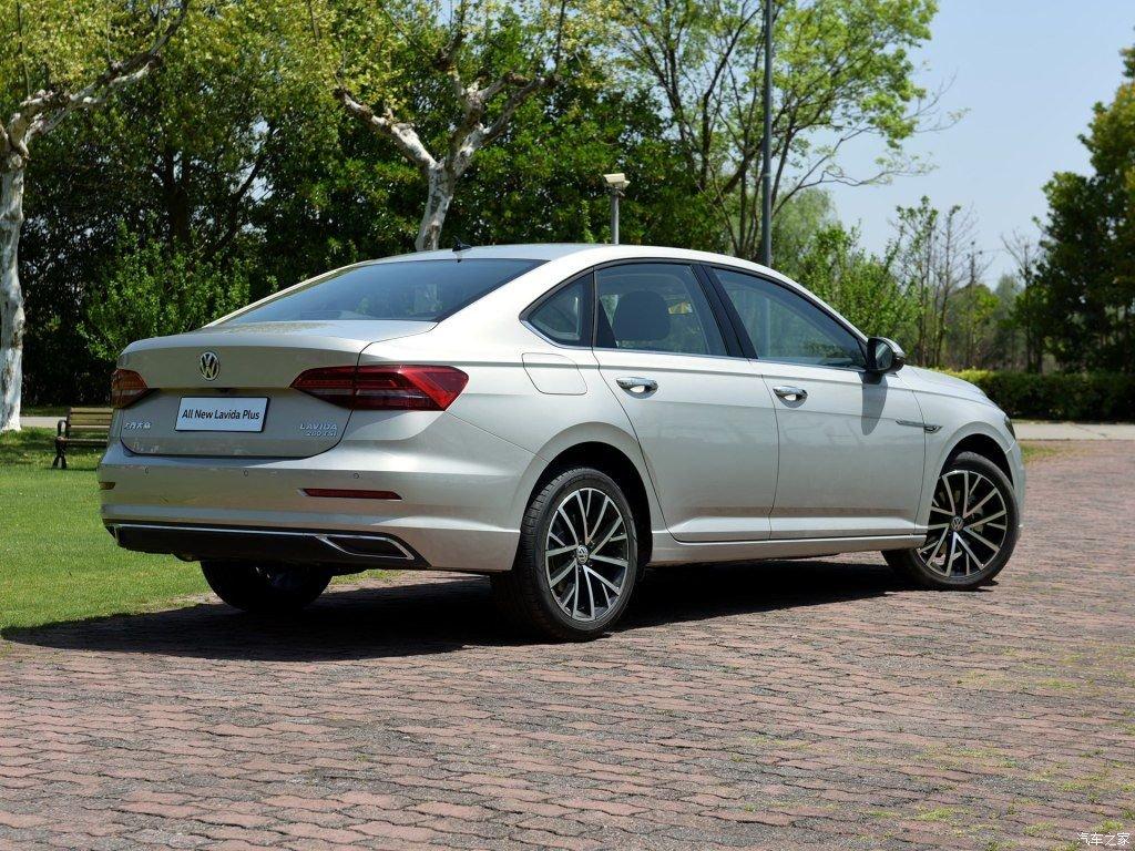 2019_Volkswagen_Lavida_Plus_0000