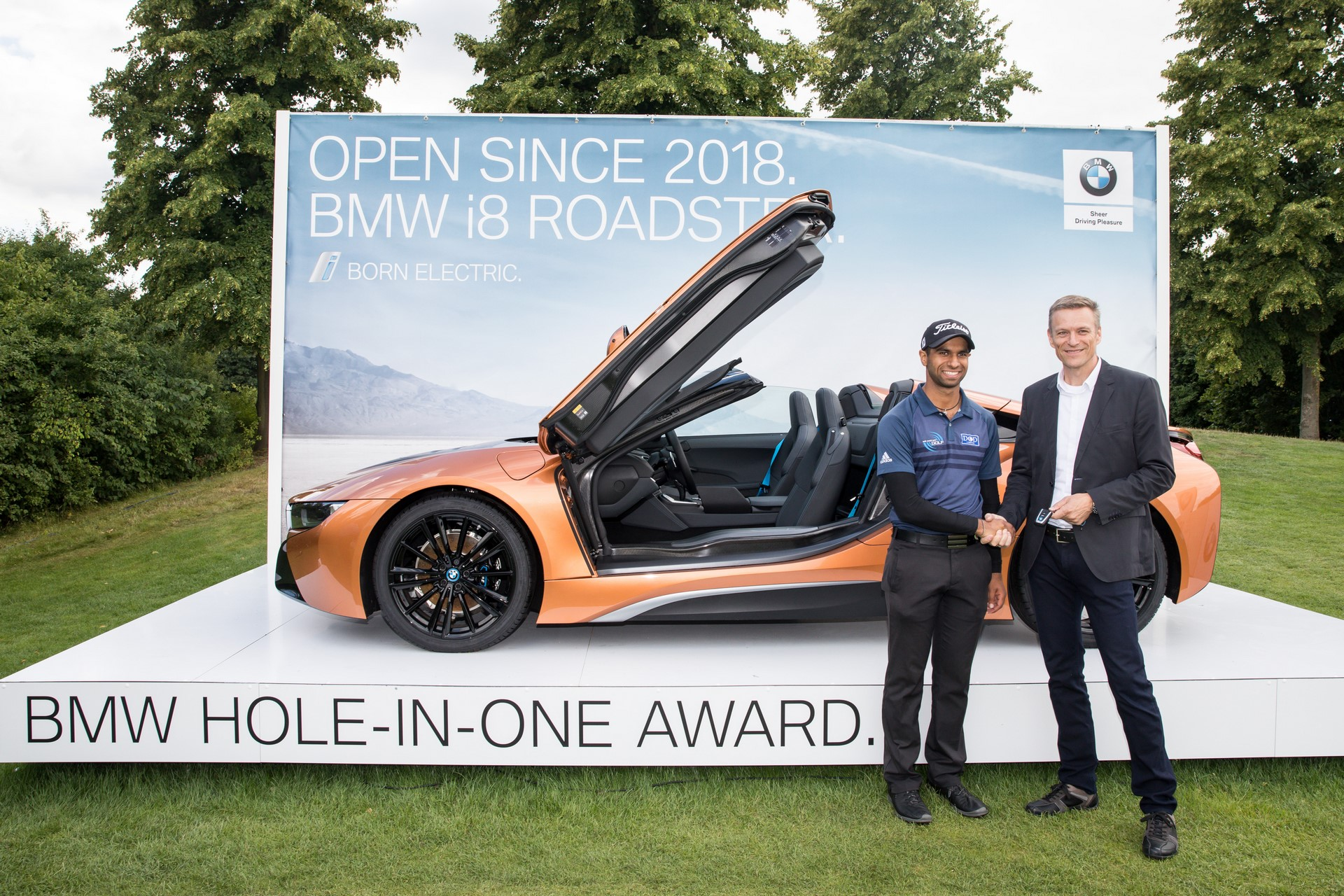 Aaron Rai win BMW i8 Roadster (3)