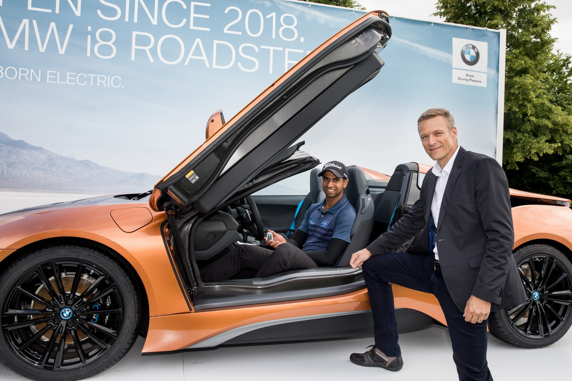 Aaron Rai win BMW i8 Roadster (4)