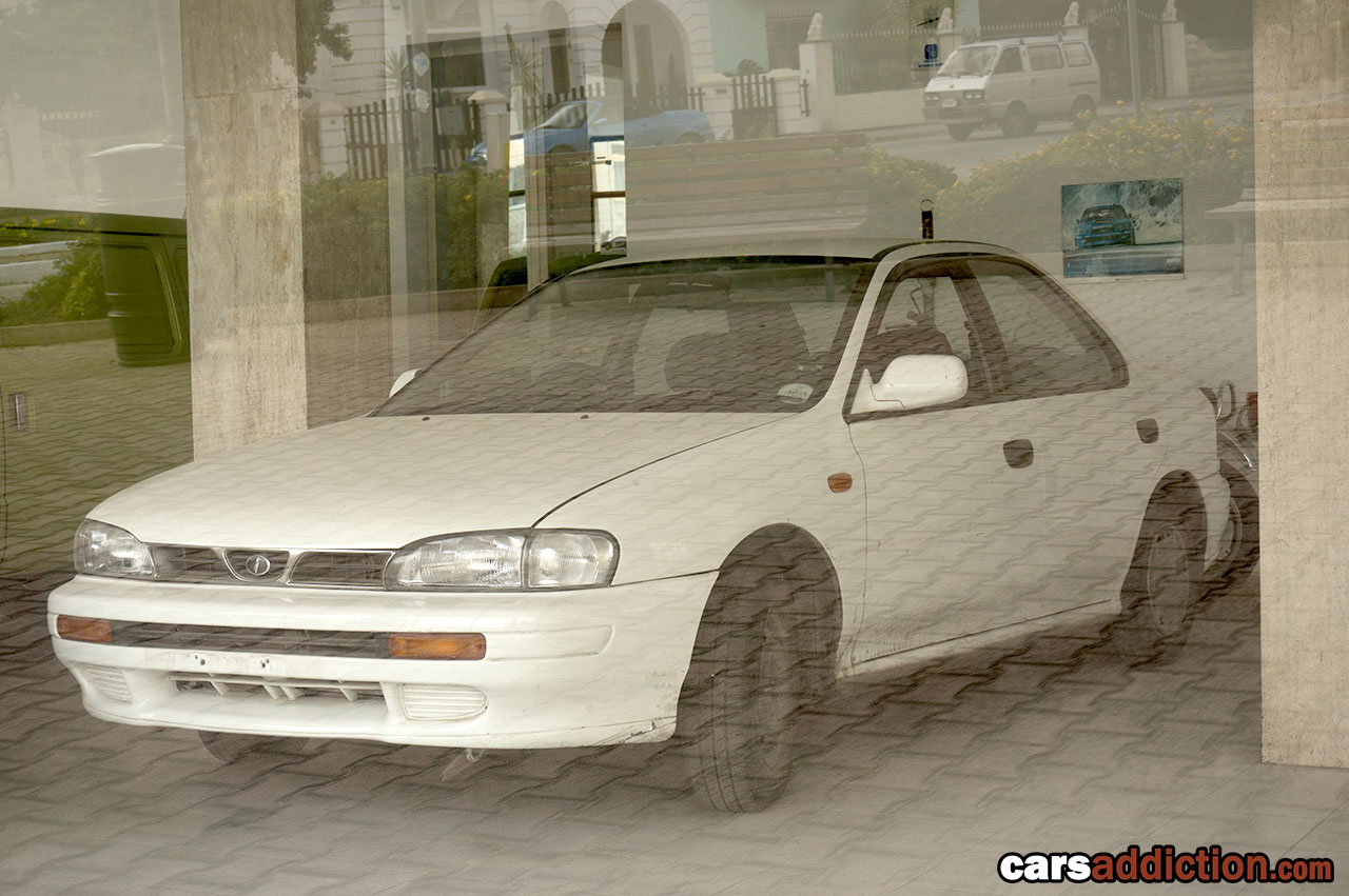 Abandoned_Subaru_dealership_Malta_0002
