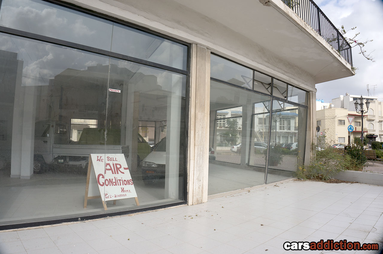 Abandoned_Subaru_dealership_Malta_0007