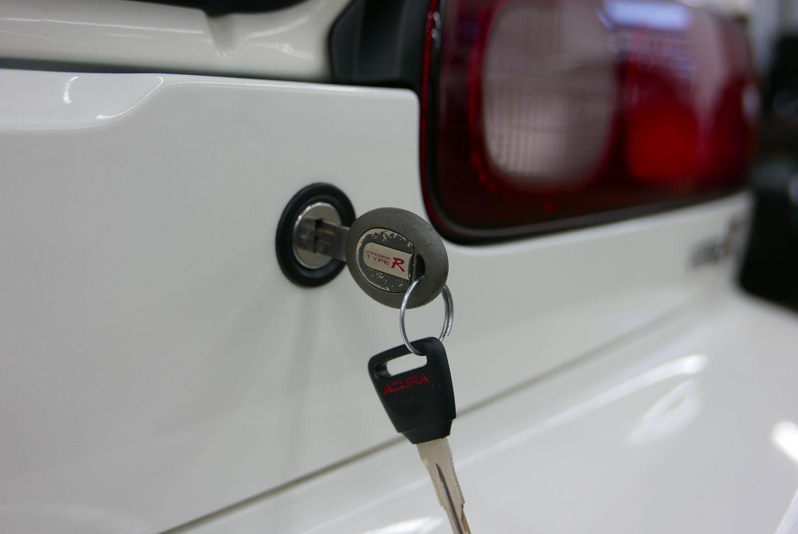 1997-Honda-Integra-Type-R-10