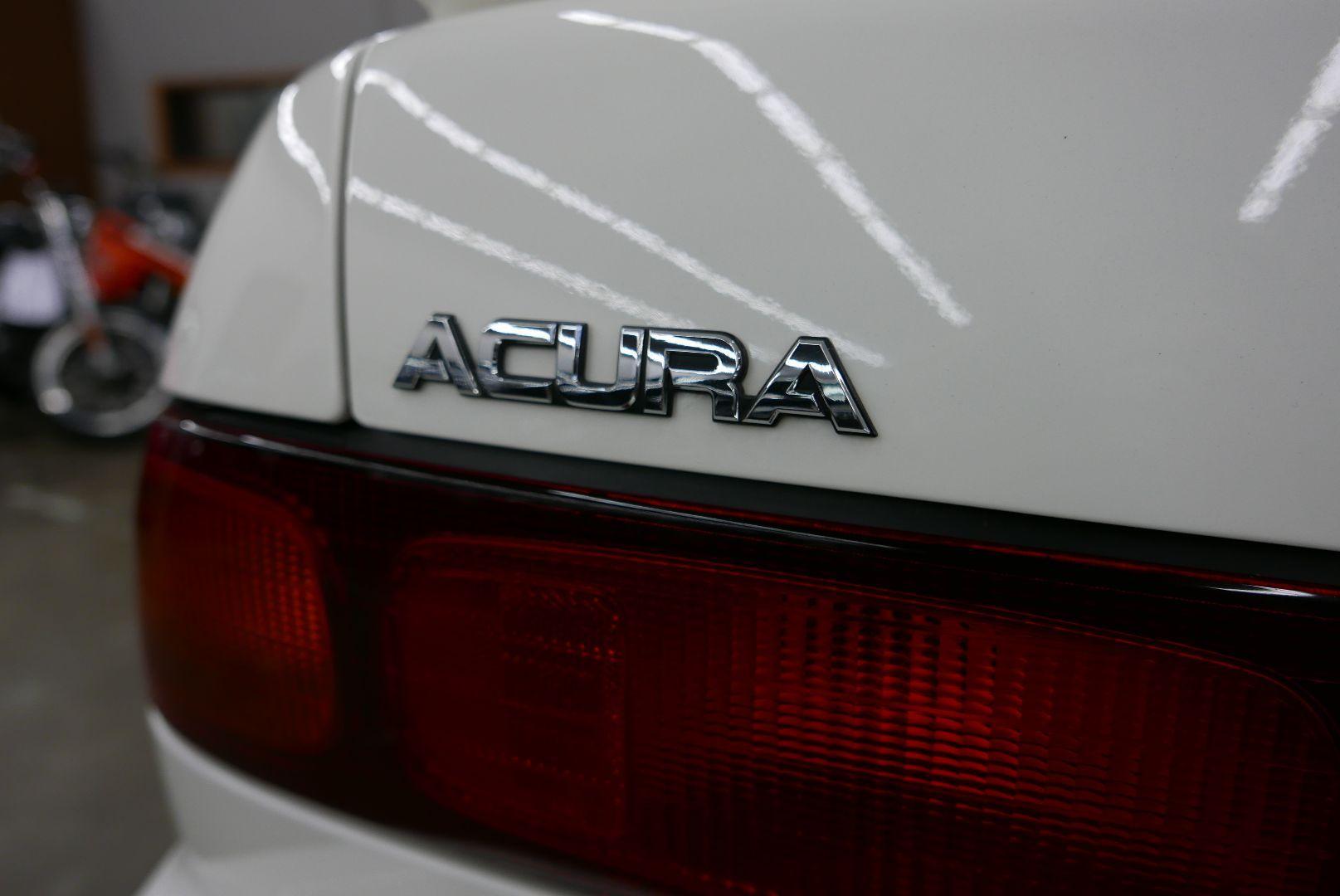 1997-Honda-Integra-Type-R-14