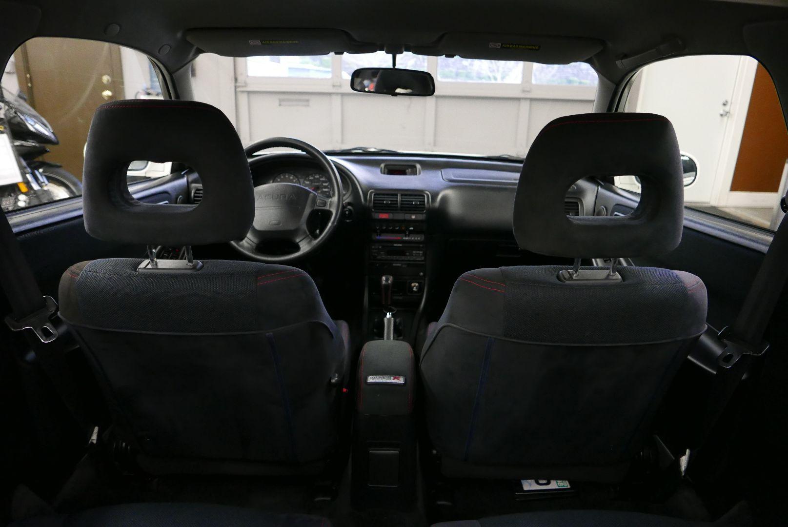 1997-Honda-Integra-Type-R-33