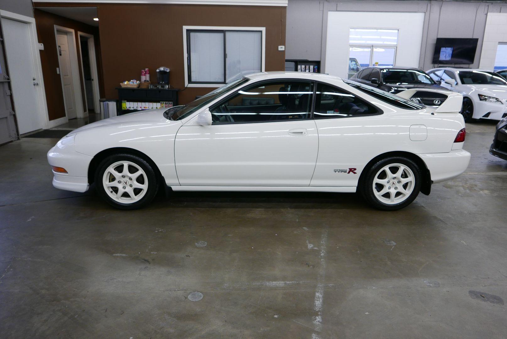 1997-Honda-Integra-Type-R-5