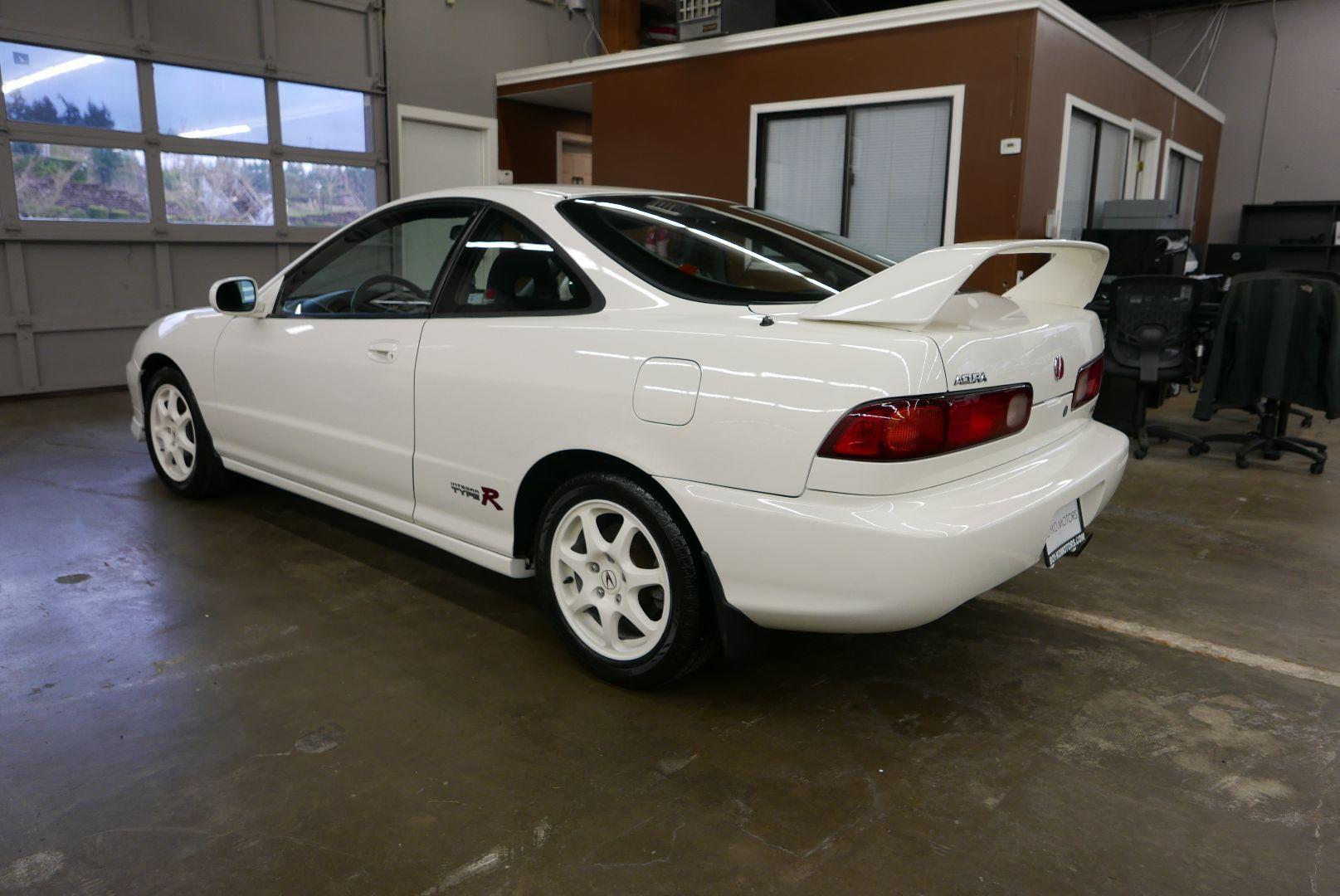 1997-Honda-Integra-Type-R-6