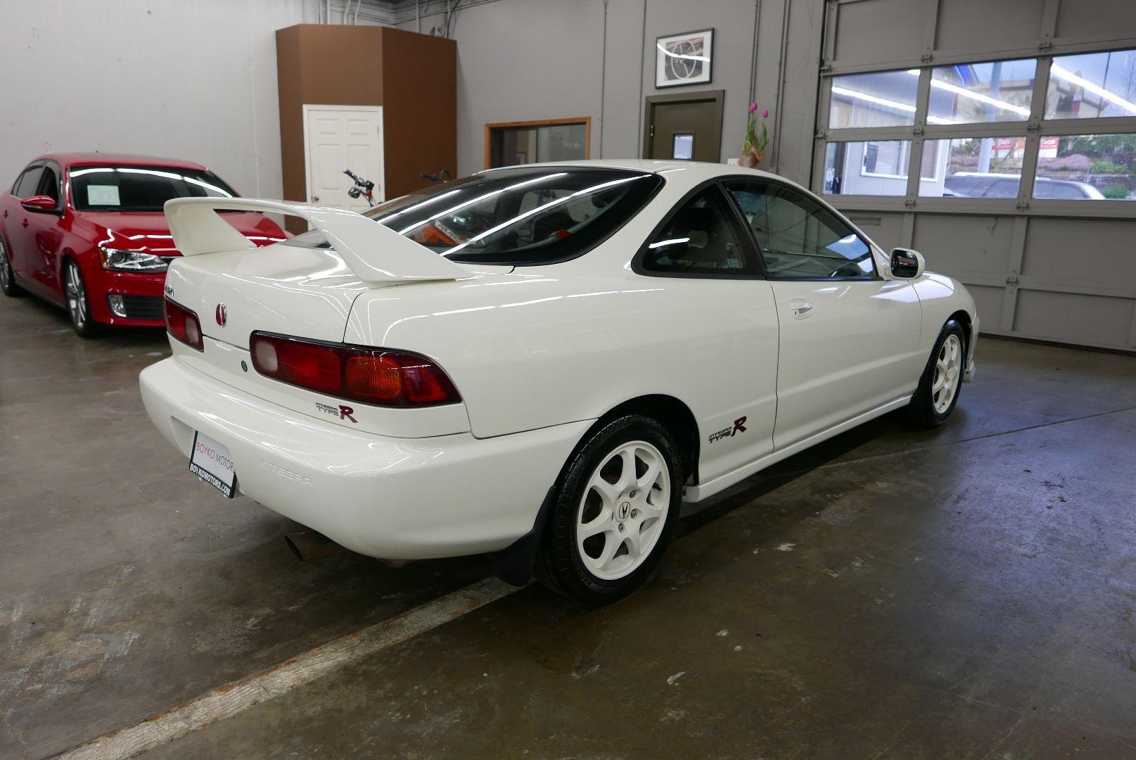 1997-Honda-Integra-Type-R-9