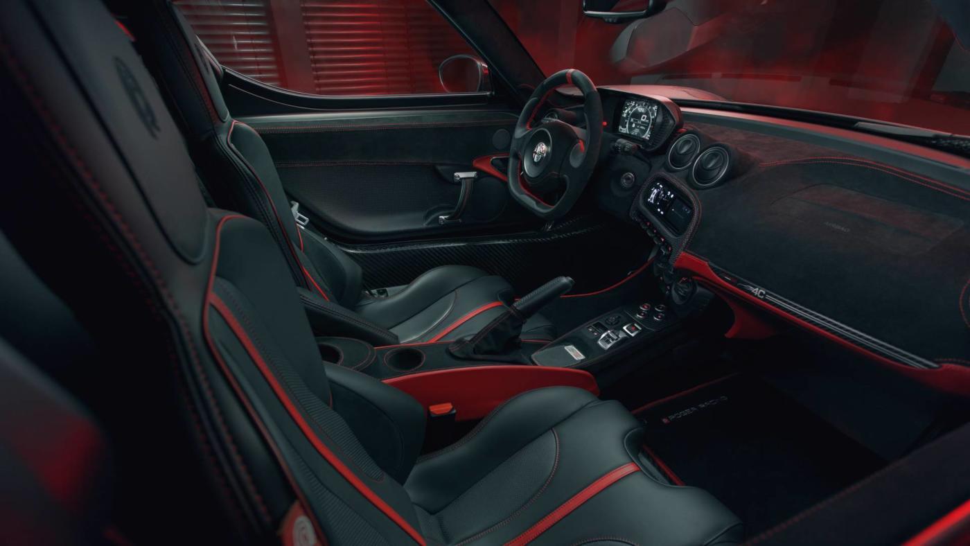 Alfa-Romeo-4C-Pogea-Racing-5