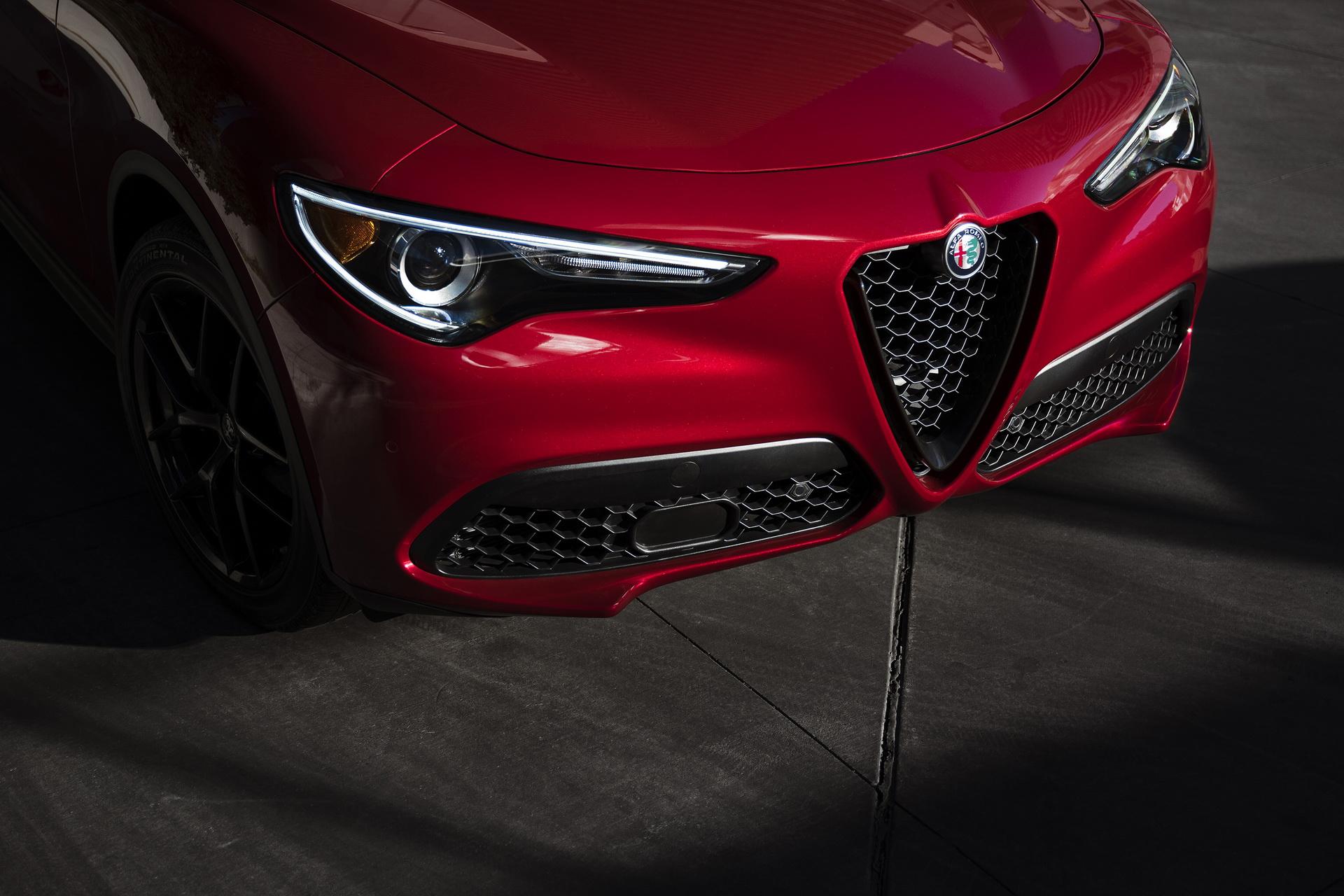 Alfa Romeo Giulia And Stelvio Nero Edizione (20)