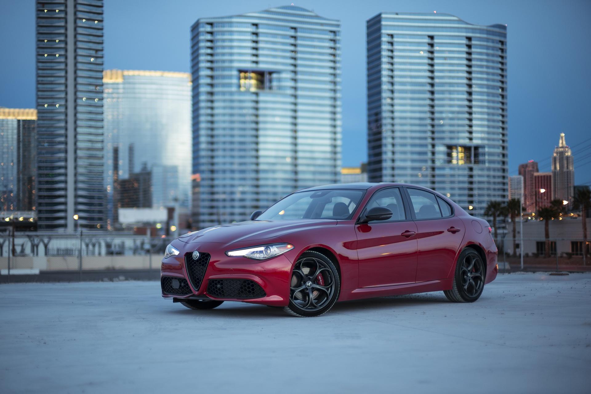 Alfa Romeo Giulia And Stelvio Nero Edizione (4)