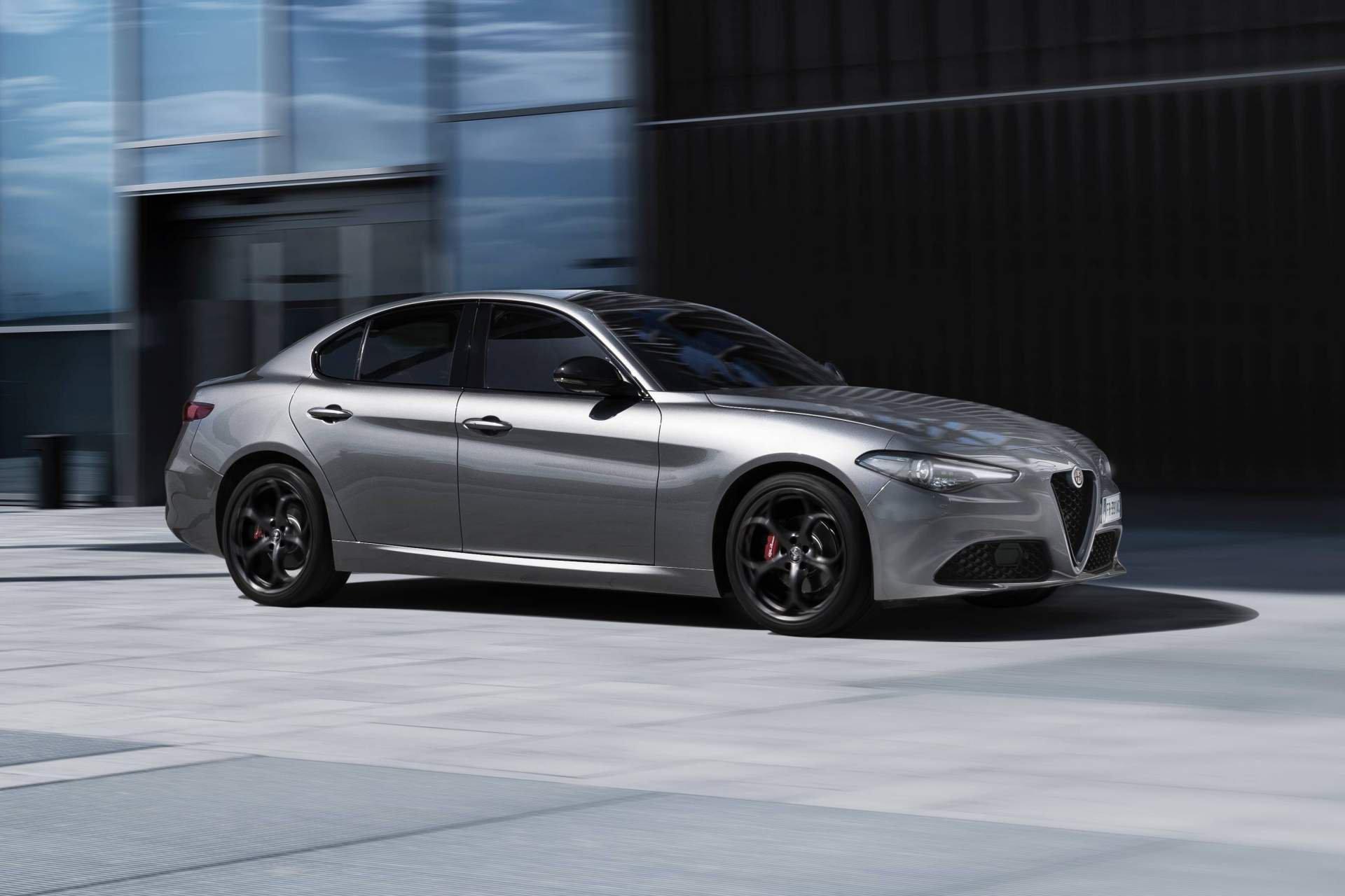 Alfa Romeo Stelvio Giulia and Giulietta B-Tech Editions (4)