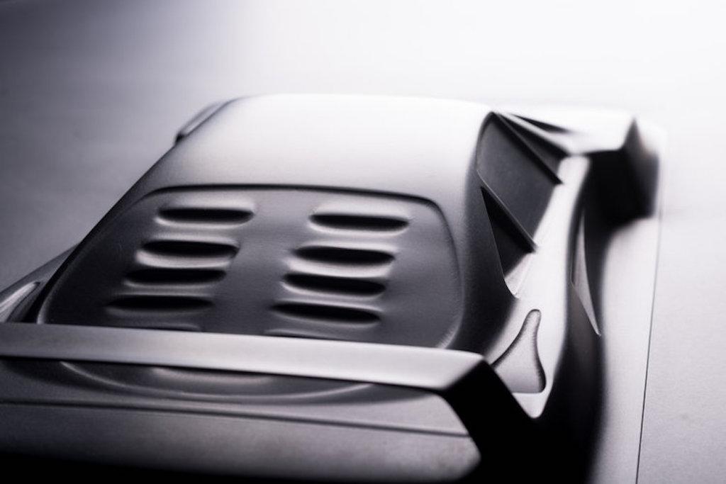 Aluminum coffee table Ferrari F40 (6)