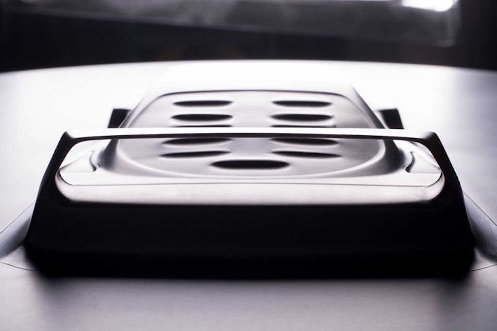 Aluminum coffee table Ferrari F40 (7)