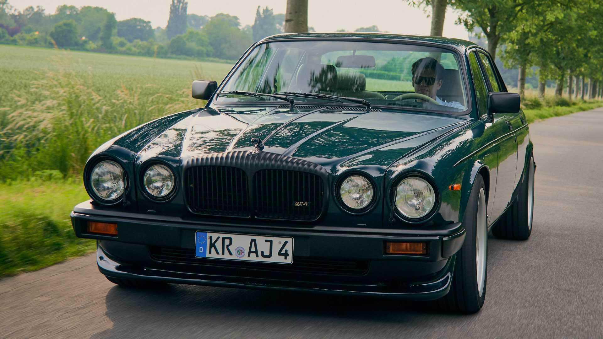 Arden_AJ_4_Jaguar_XJ12_0000