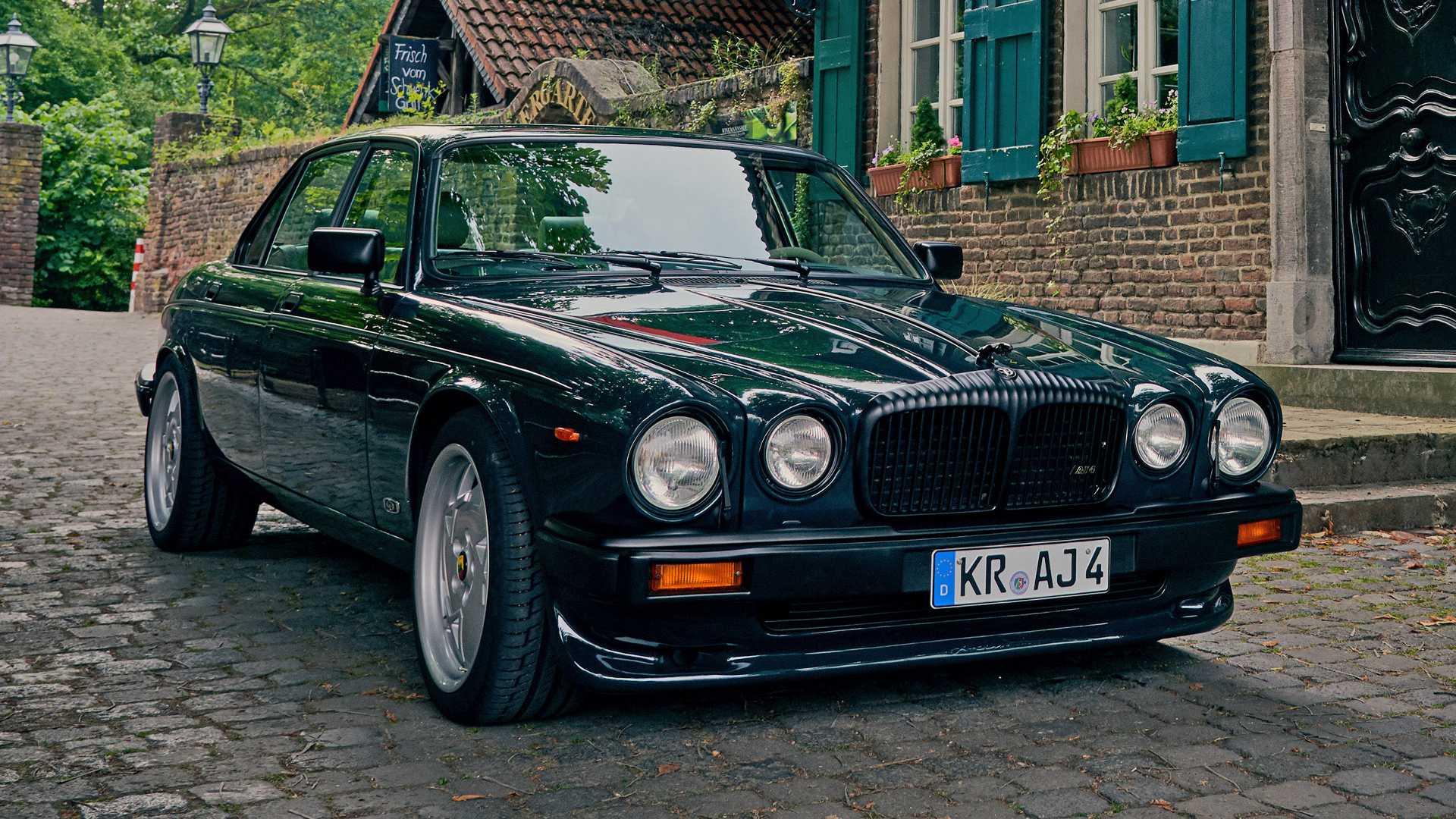 Arden_AJ_4_Jaguar_XJ12_0001
