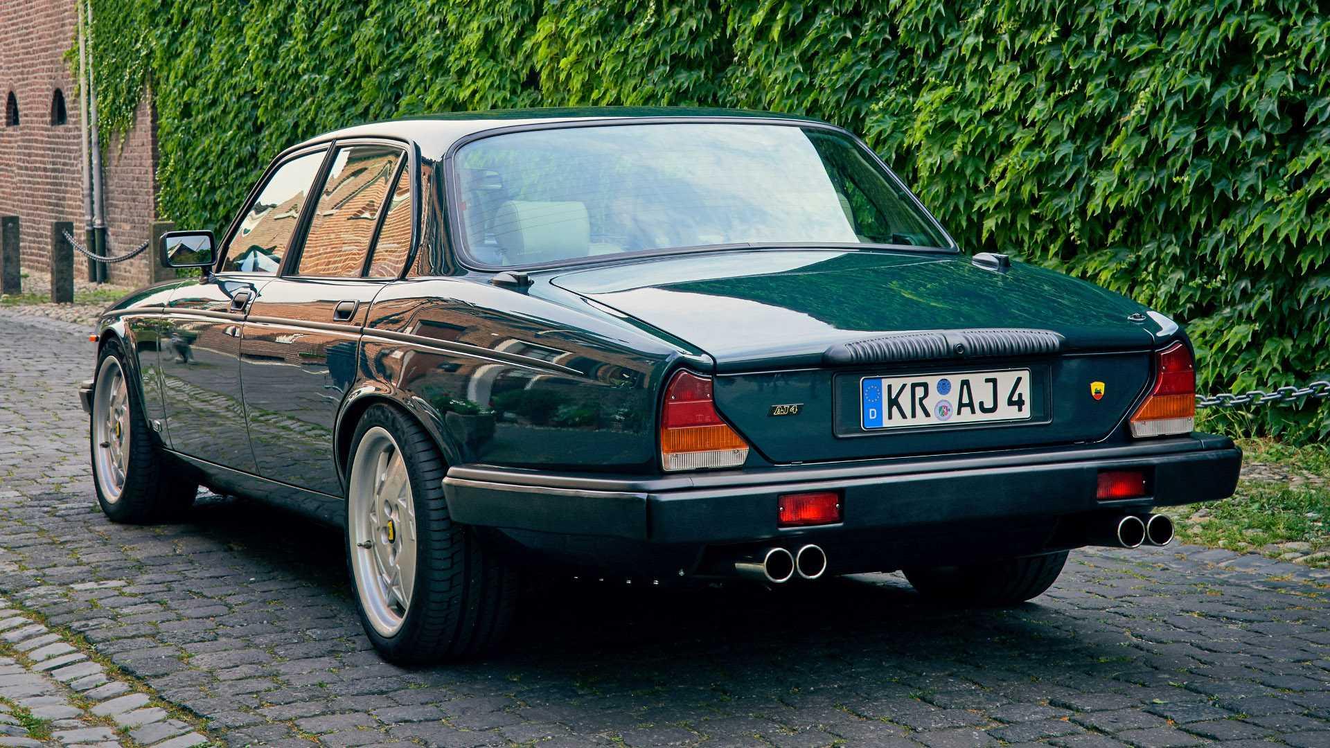 Arden_AJ_4_Jaguar_XJ12_0003