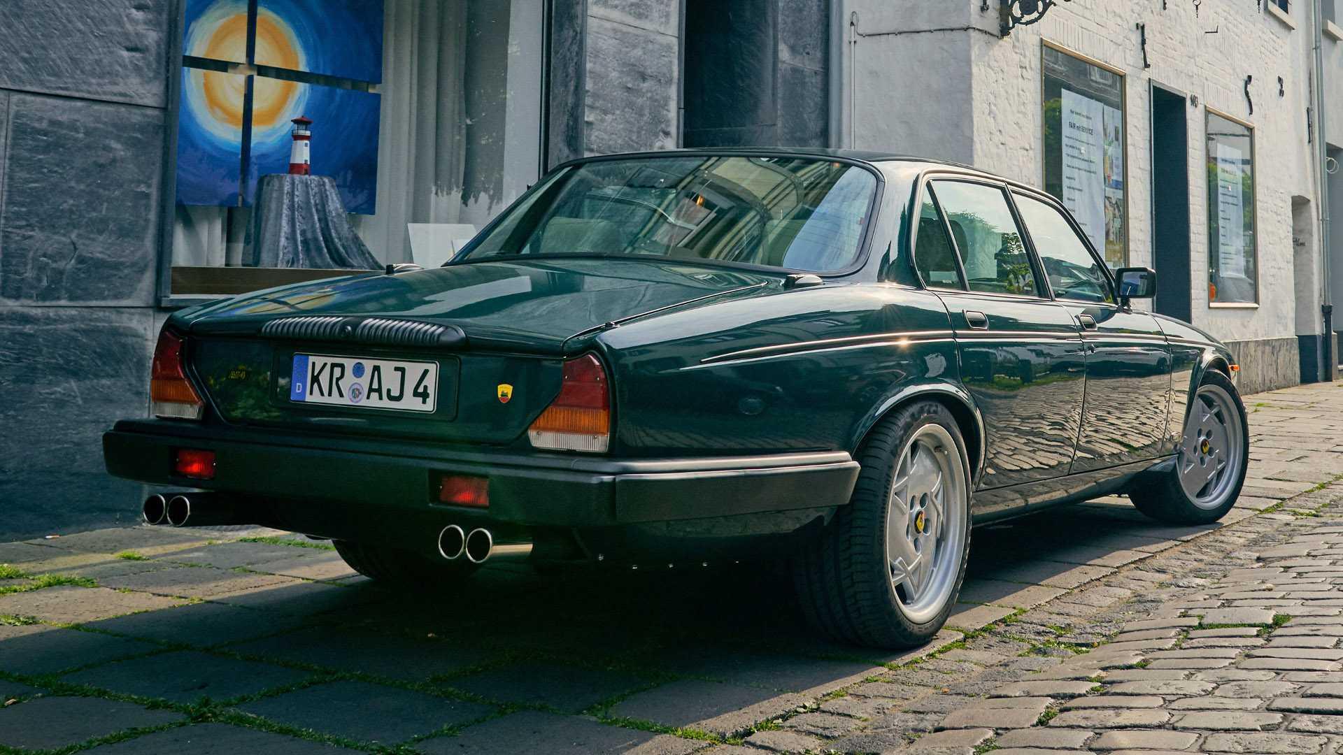 Arden_AJ_4_Jaguar_XJ12_0004