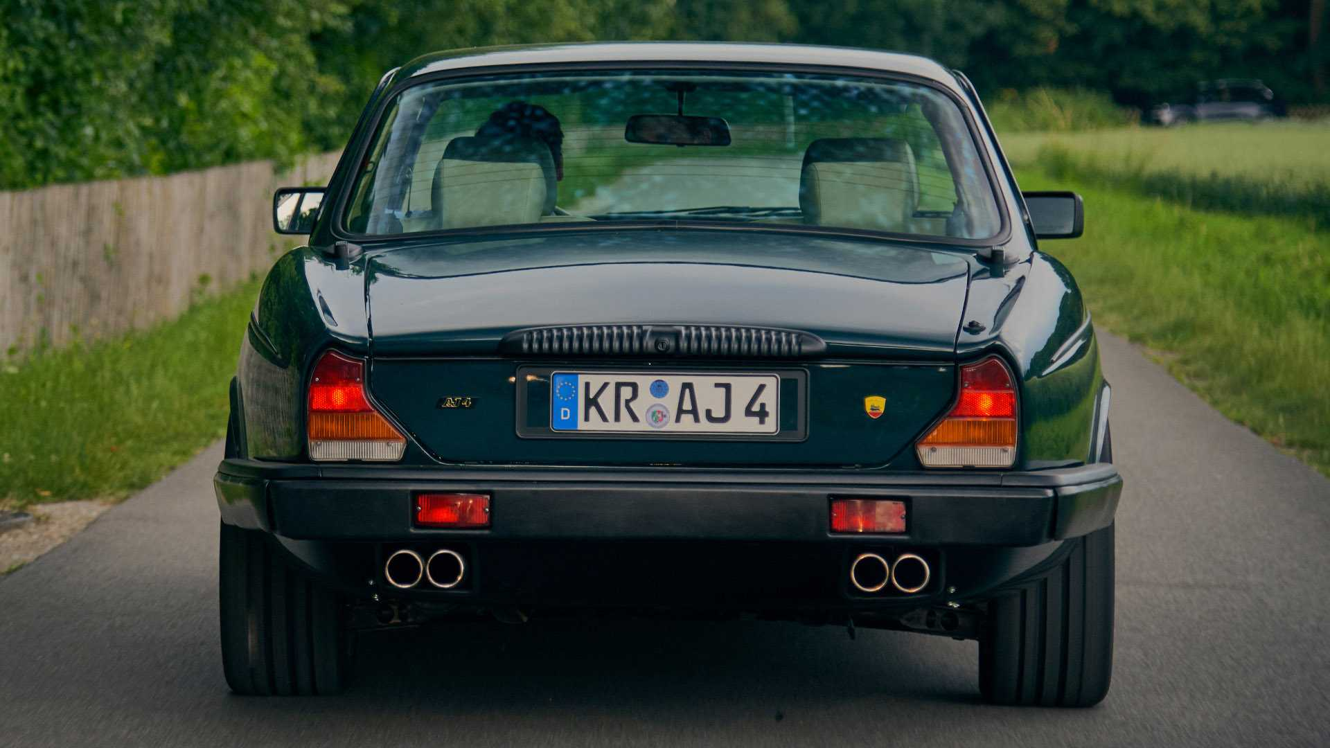 Arden_AJ_4_Jaguar_XJ12_0005