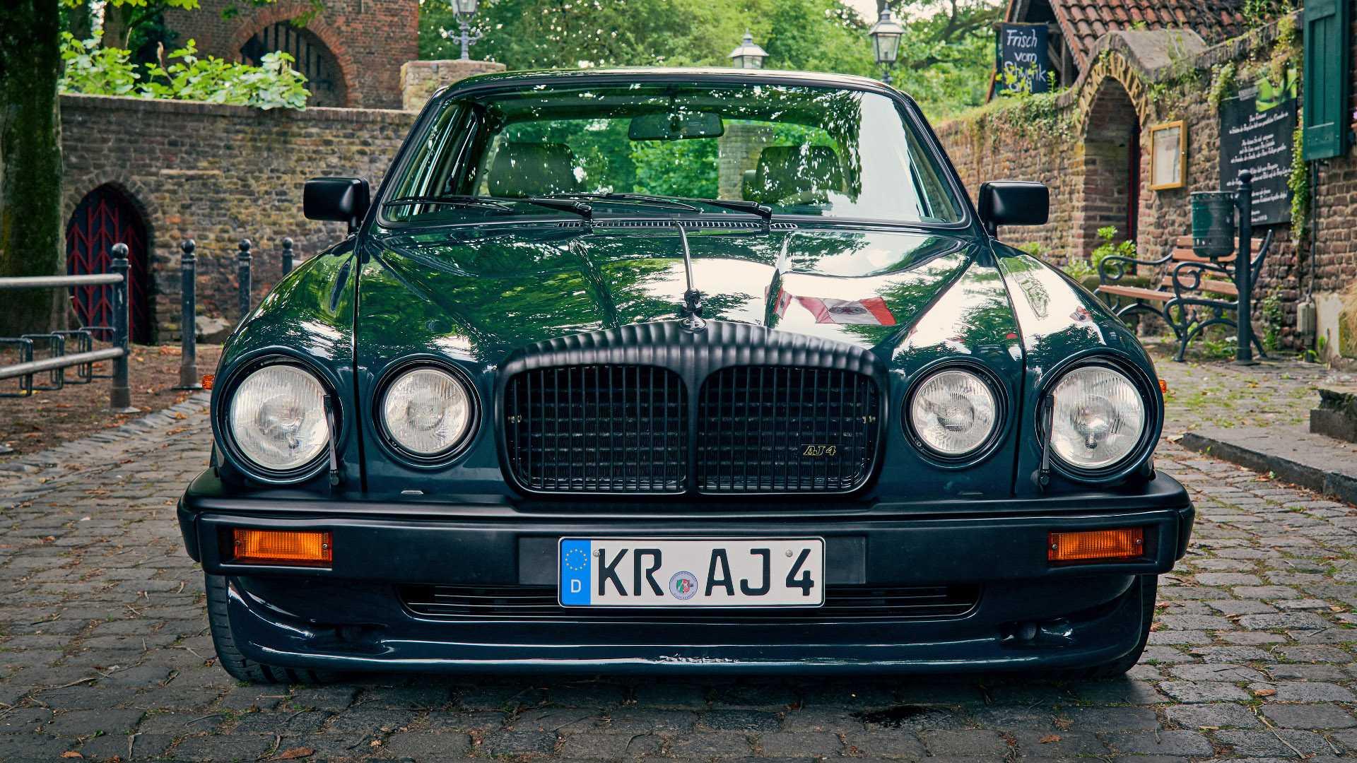 Arden_AJ_4_Jaguar_XJ12_0010
