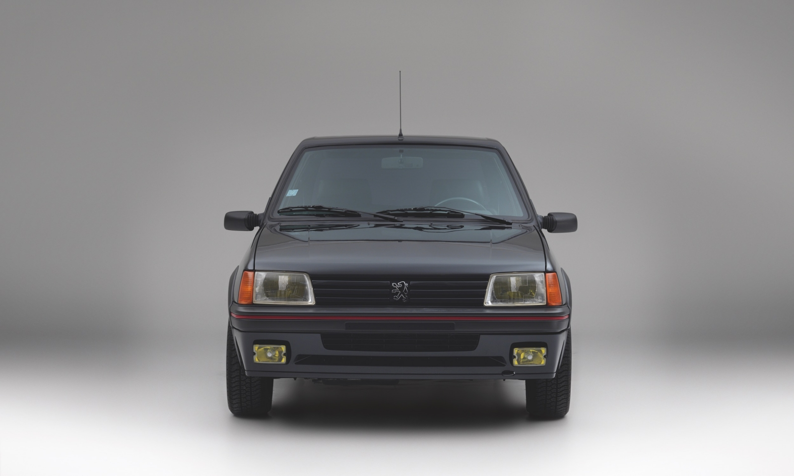 Armored_1990_Peugeot_205_GTI_0001