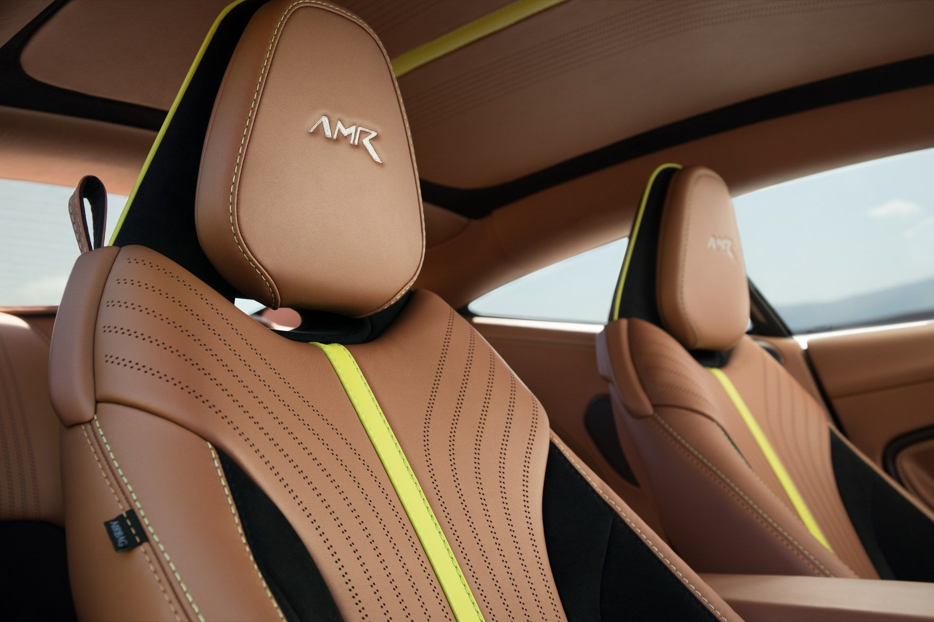 Aston-Martin-DB11-AMR-16