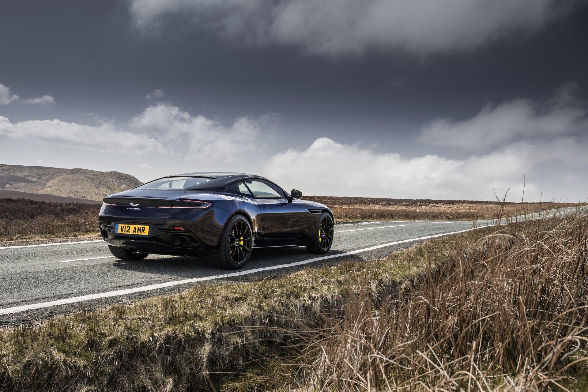 Aston-Martin-DB11-AMR-26