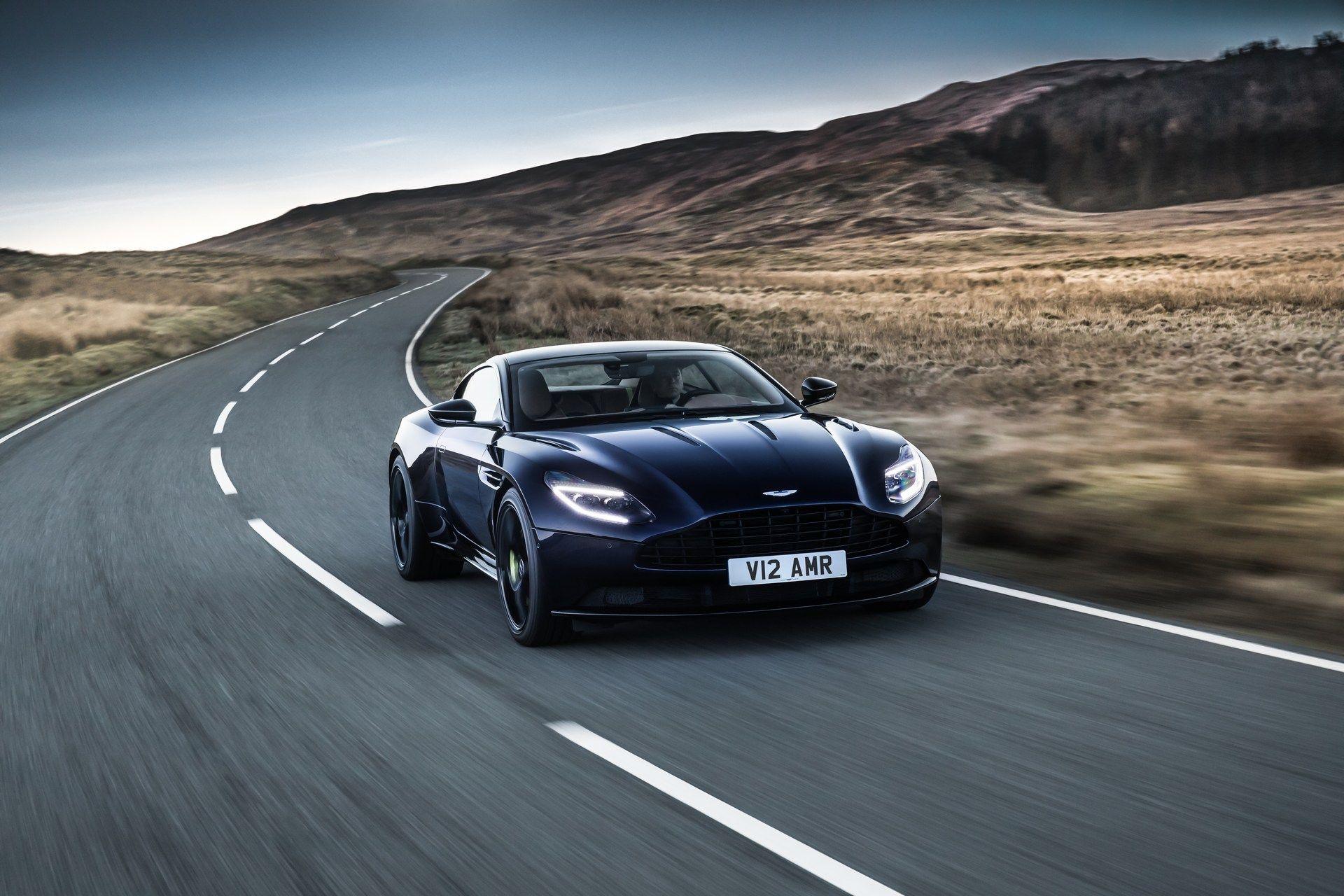 Aston-Martin-DB11-AMR-28
