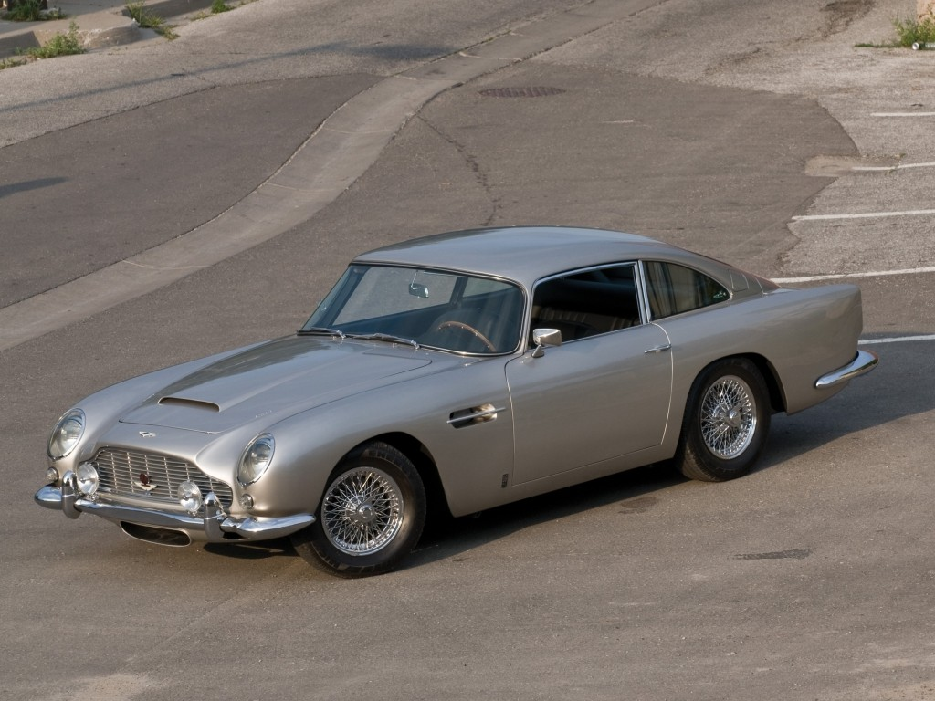 aston-martin-announces-28-brand-new-goldfinger-db5-all-movie-gadgets-included_1