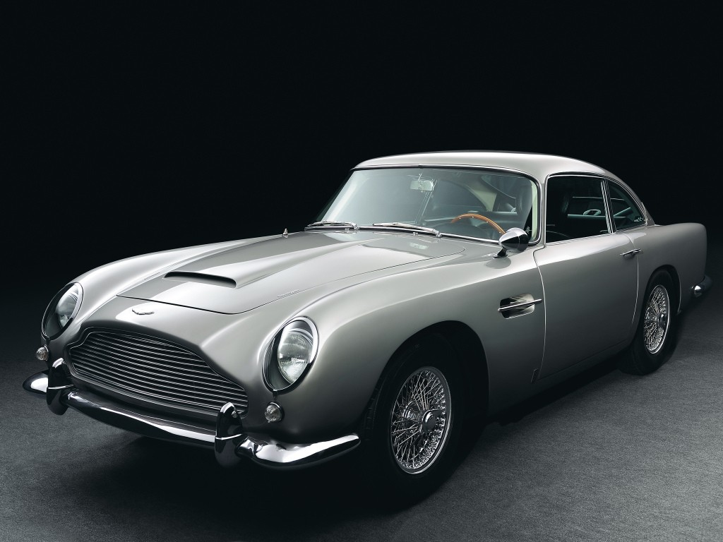 aston-martin-announces-28-brand-new-goldfinger-db5-all-movie-gadgets-included_2