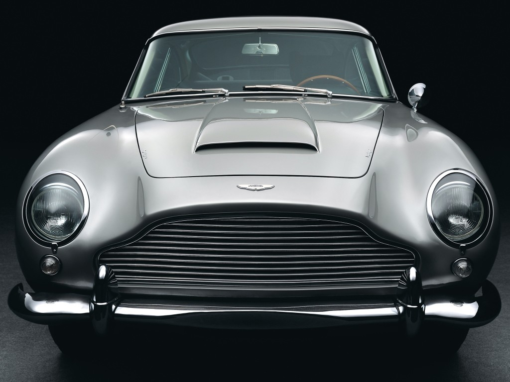 aston-martin-announces-28-brand-new-goldfinger-db5-all-movie-gadgets-included_3