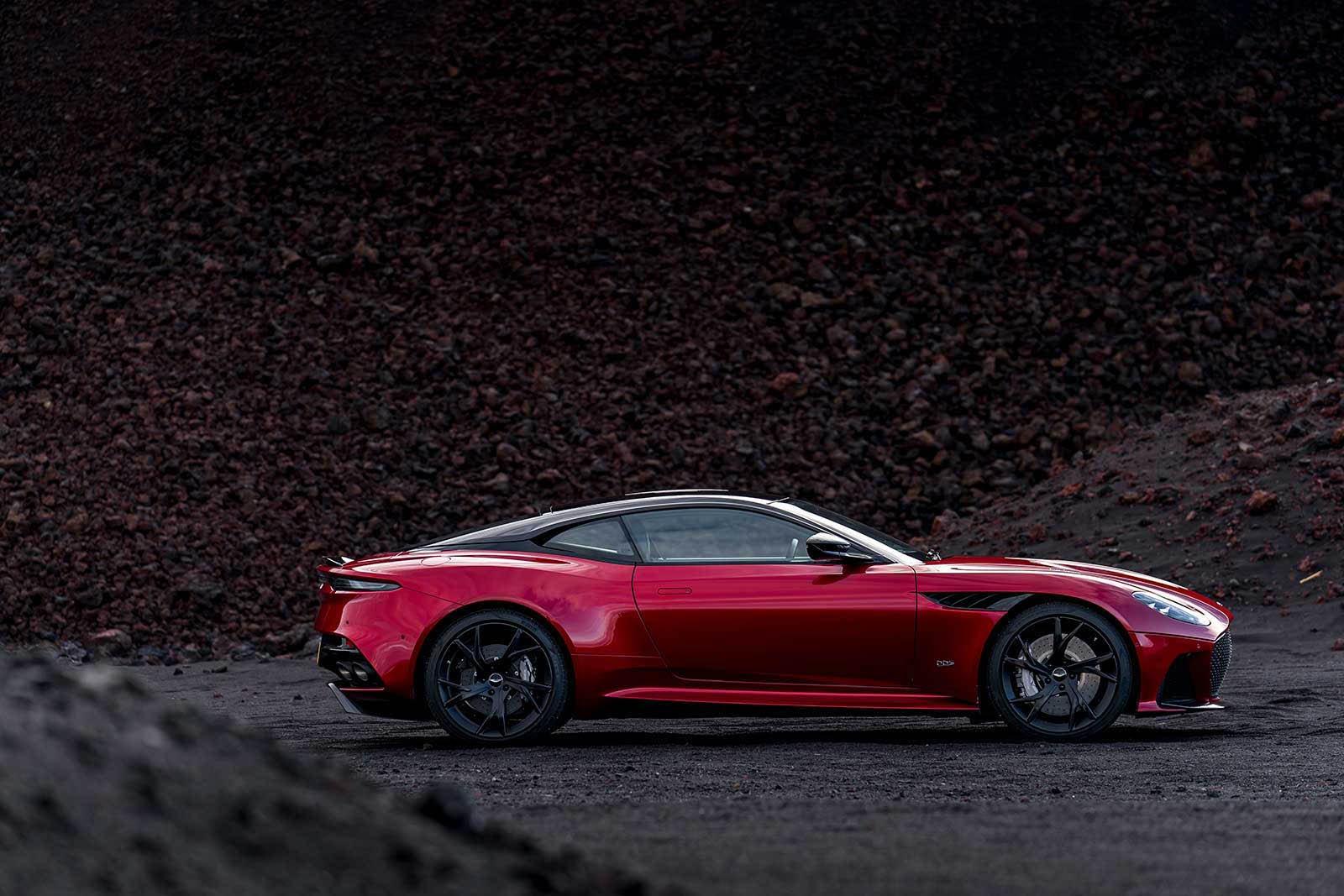 Aston Martin DBS Superleggera 2019 (12)
