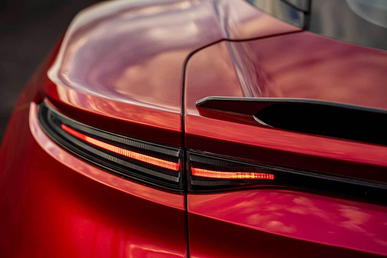 Aston Martin DBS Superleggera 2019 (21)