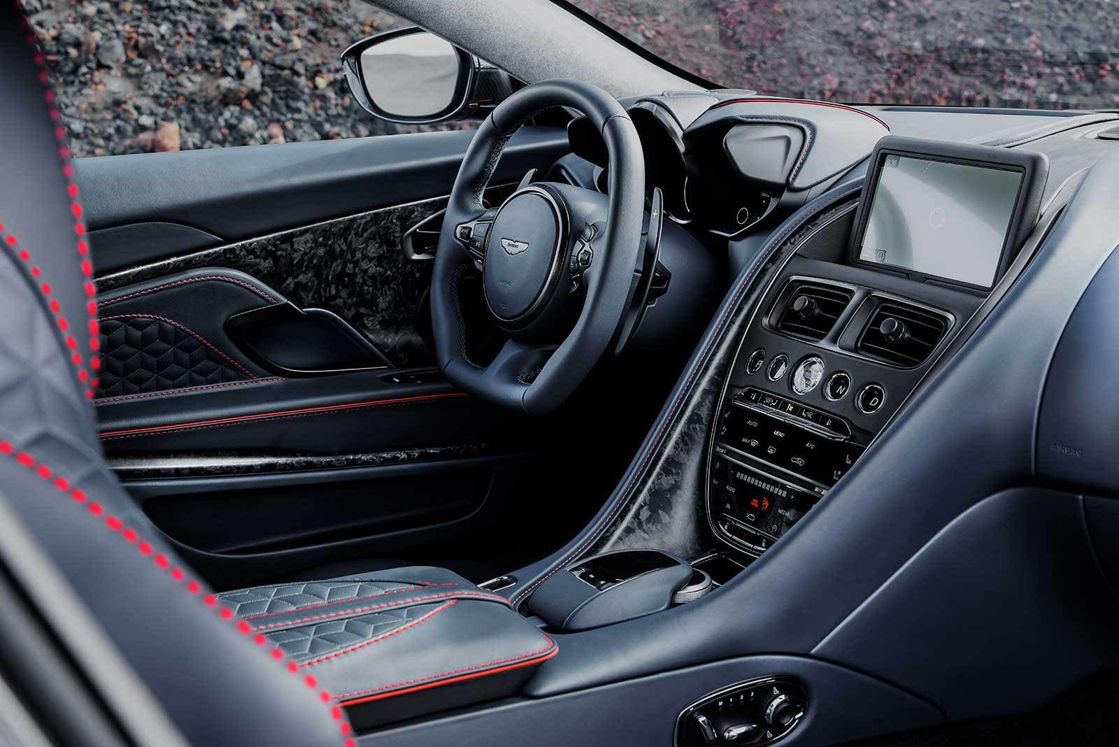 Aston Martin DBS Superleggera 2019 (25)