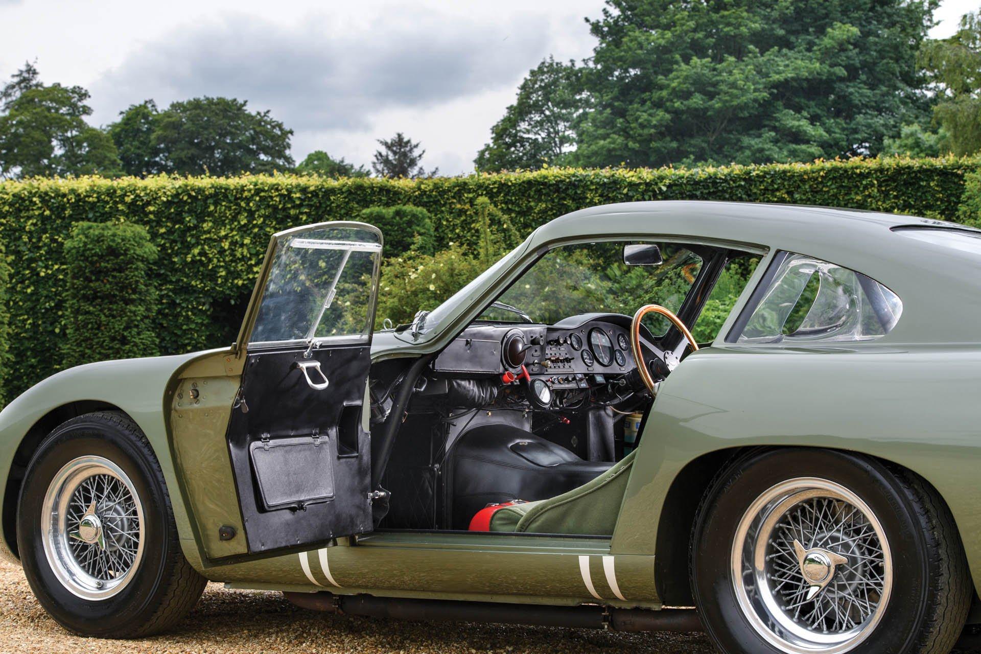 Aston Martin DP215 1963 (32)