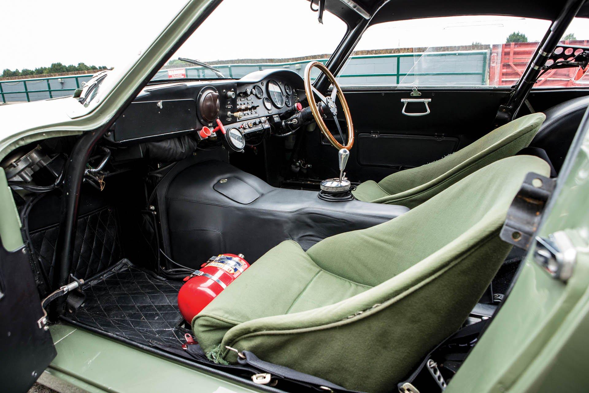 Aston Martin DP215 1963 (34)