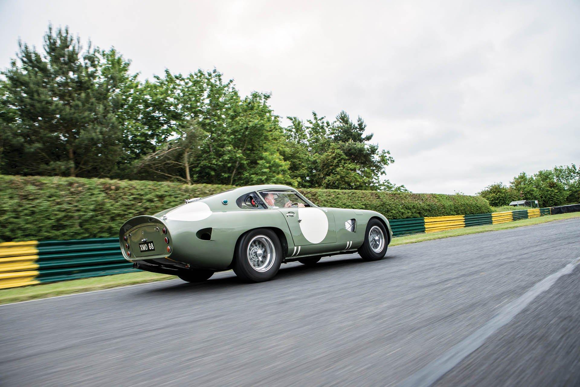 Aston Martin DP215 1963 (4)