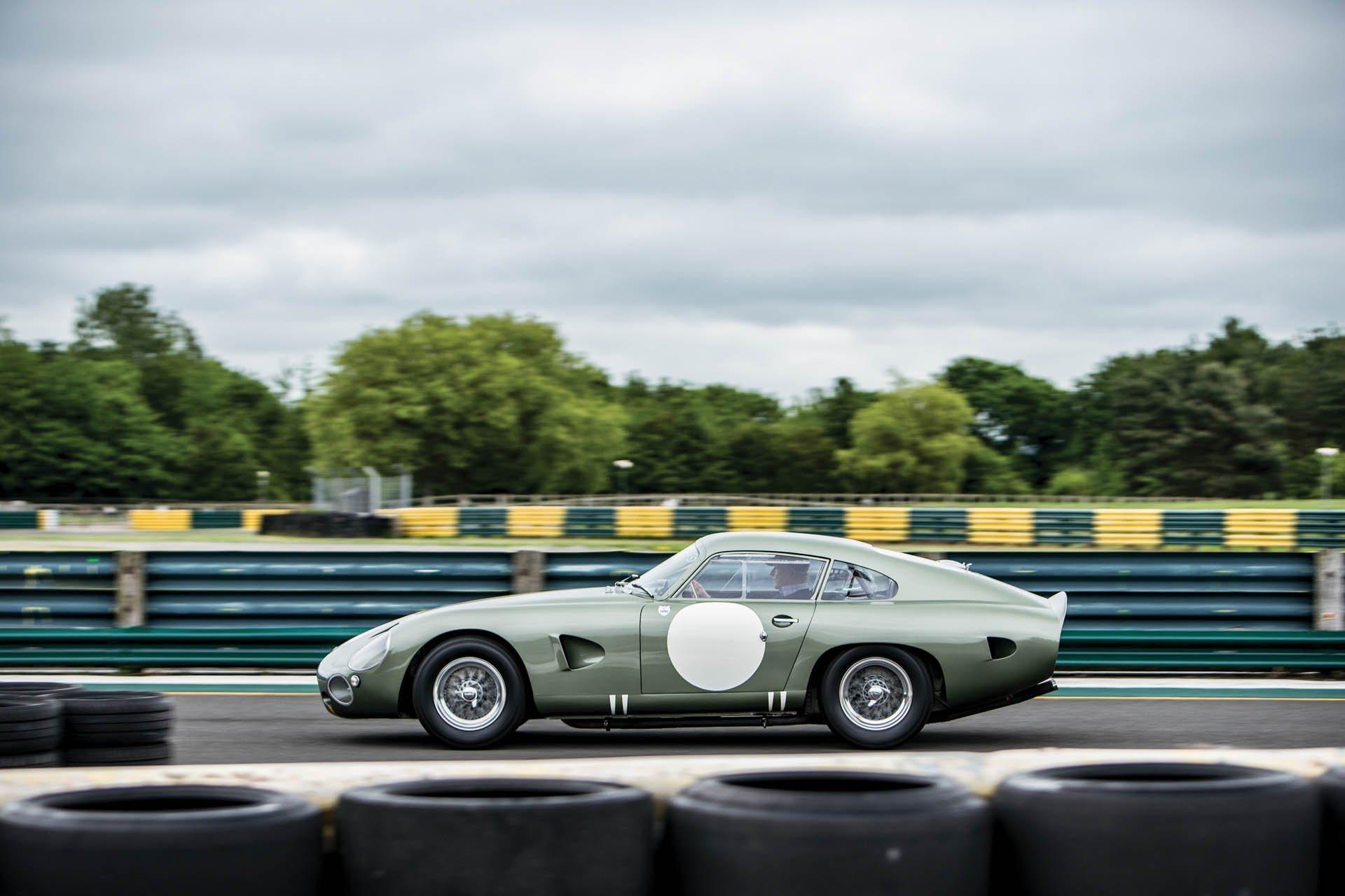 Aston Martin DP215 1963 (5)