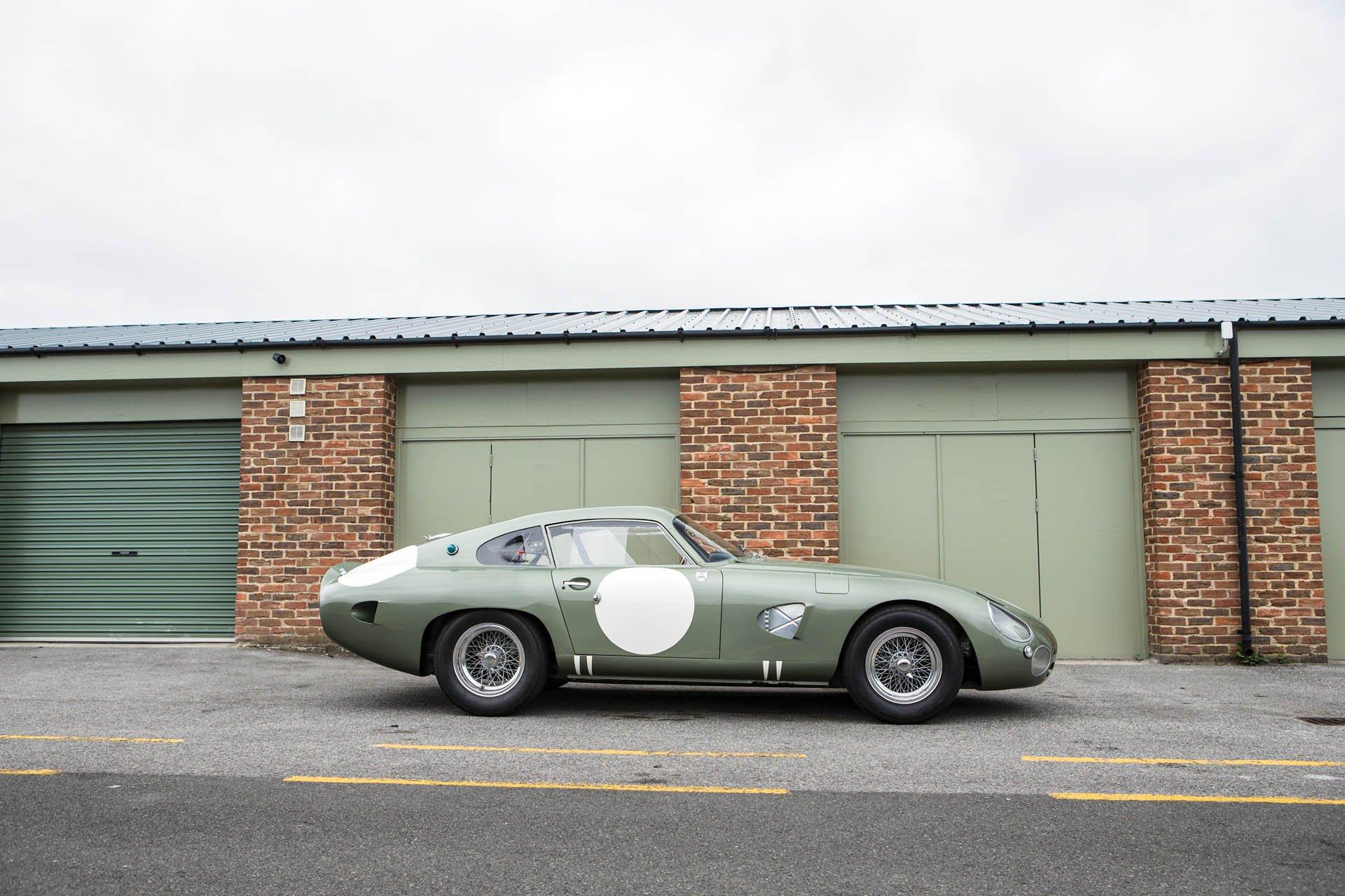 Aston Martin DP215 1963 (7)