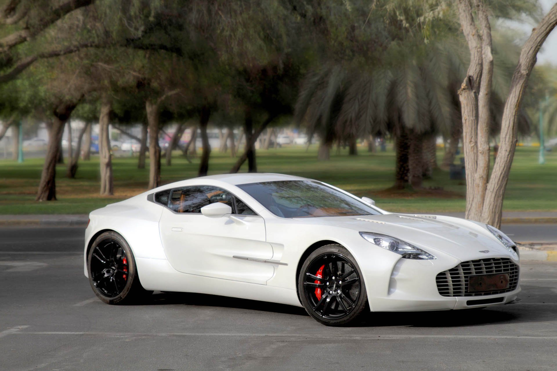 Aston Martin One-77 auction (1)