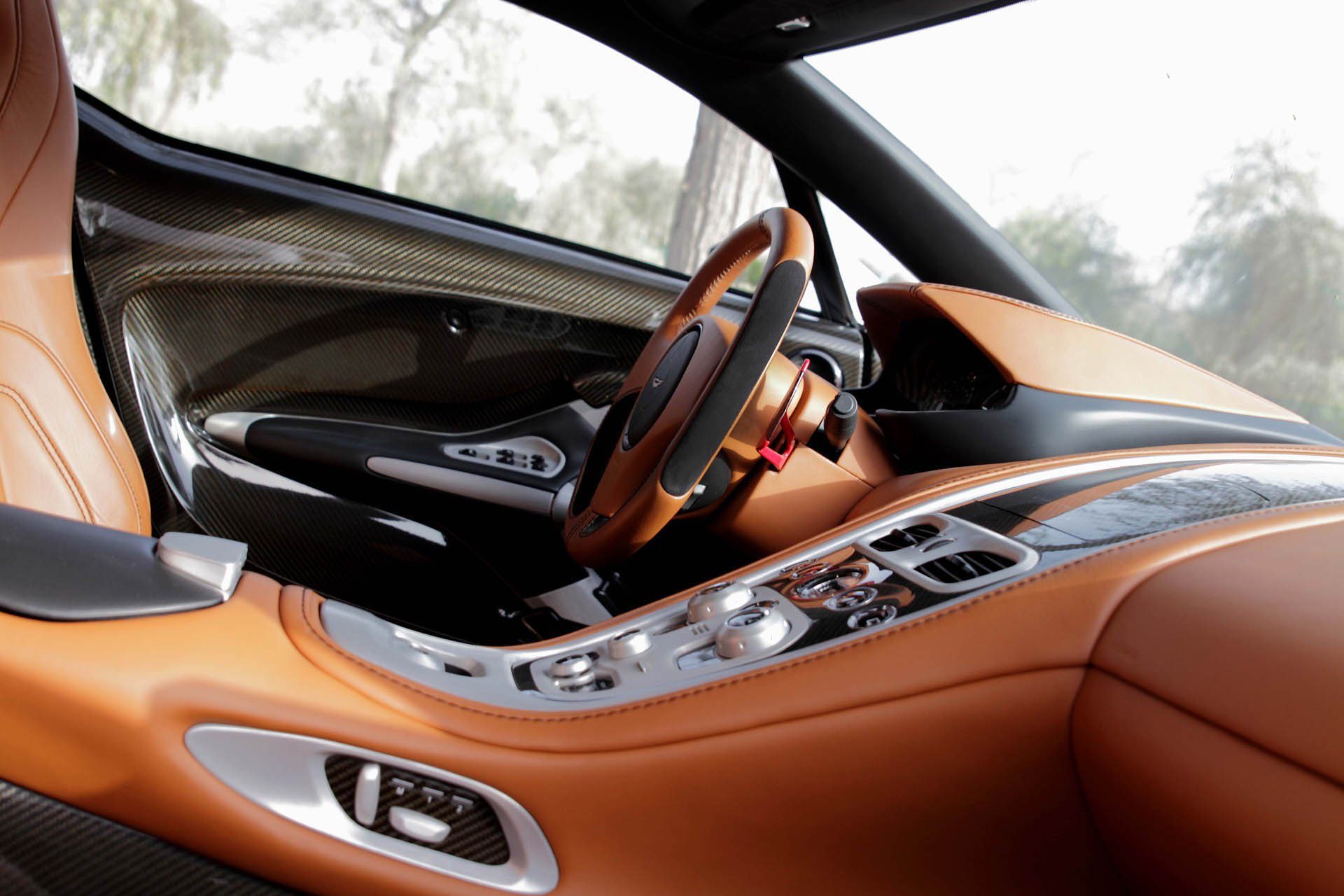 Aston Martin One-77 auction (10)