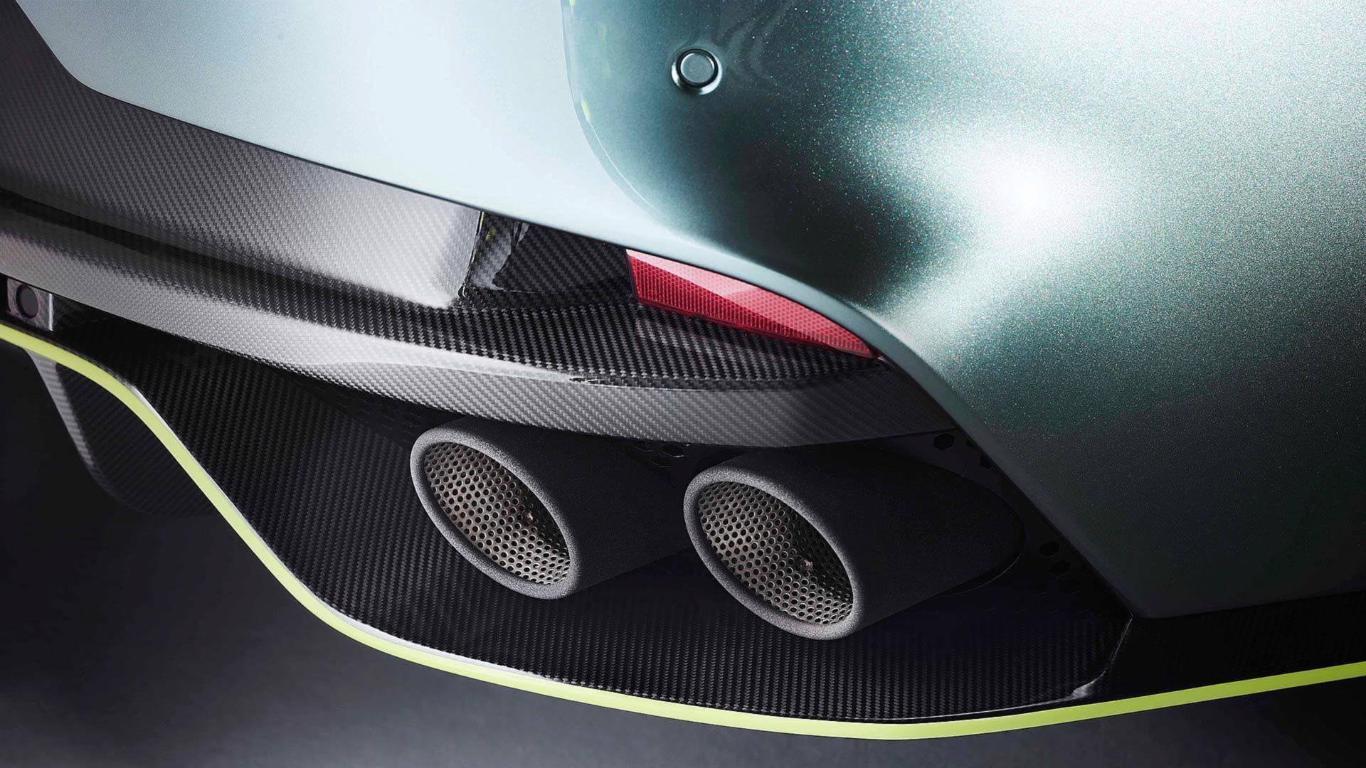 Aston Martin Rapide AMR (10)