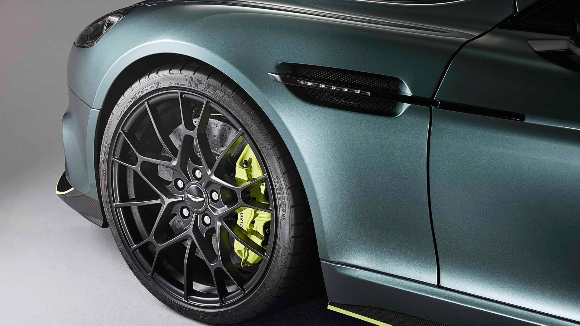 Aston Martin Rapide AMR (6)