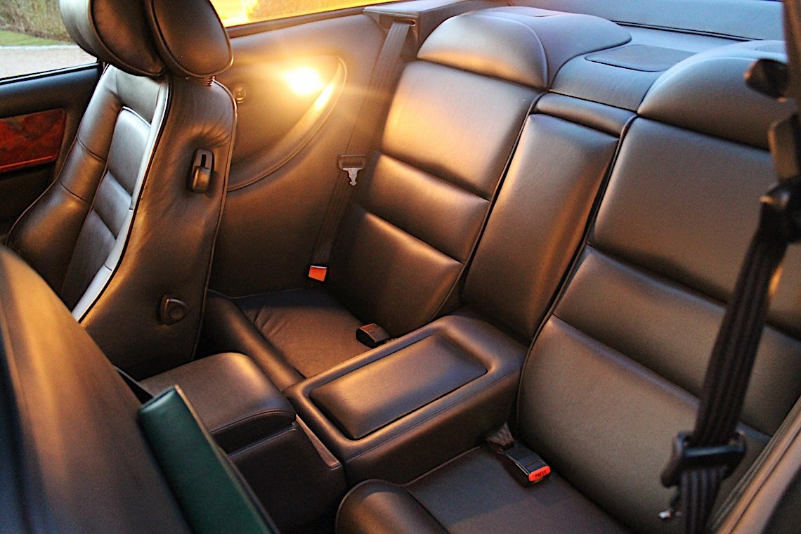 Aston Martin V8 Vantage Elton John (10)