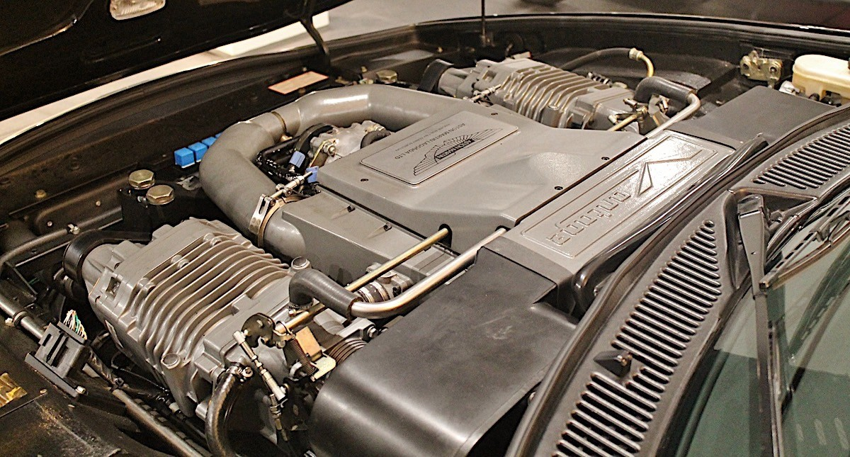 Aston Martin V8 Vantage Elton John (12)