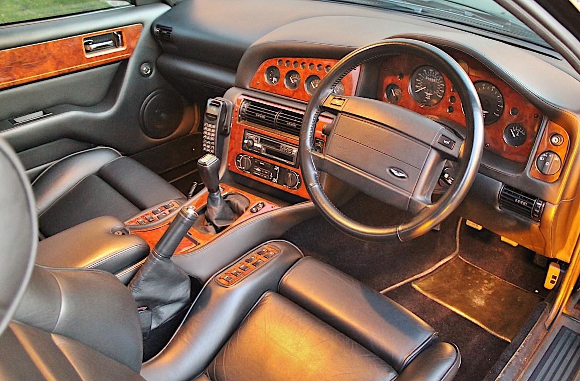 Aston Martin V8 Vantage Elton John (14)