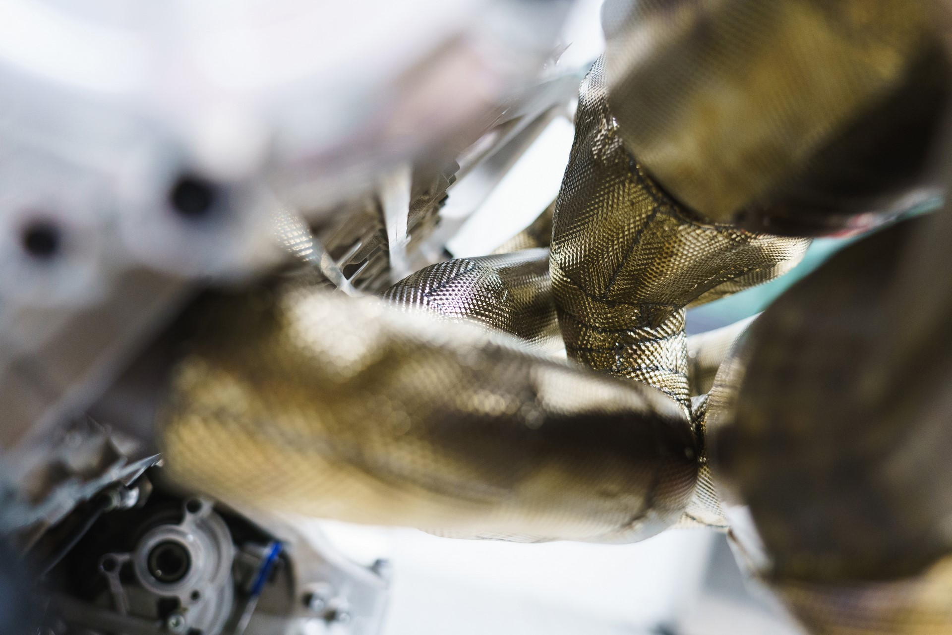 Aston Martin Valkyrie Engine (14)