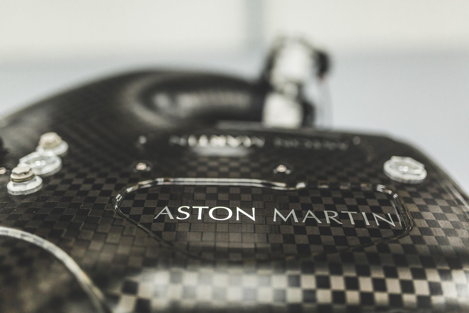 Aston Martin Valkyrie Engine (5)